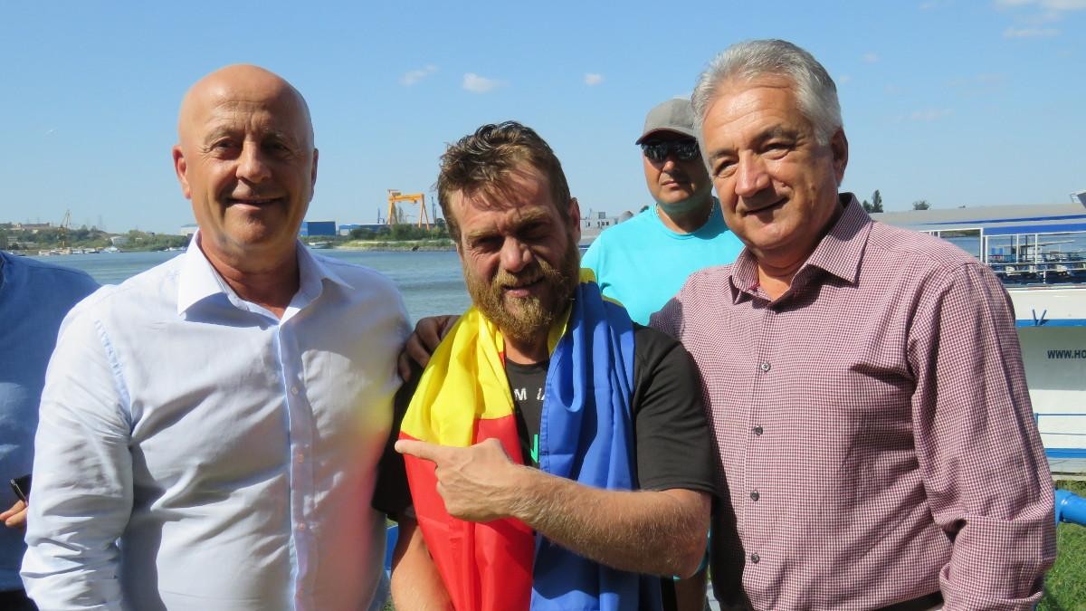 Avram Iancu a ajuns înot la Tulcea (2)