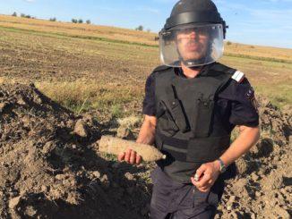 Proiectil de artilerie descoperit la Mihai Bravu, Tulcea. FOTO ISU Delta